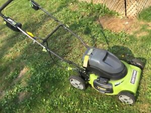 CRAFTSMAN 24v BATTERY OPERATED LAWN MOWER