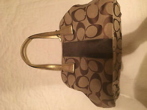 LARGE COACH PURSE  ** excellent condition **