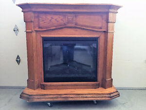 ELECTRIC DIMPLEX FIREPLACE