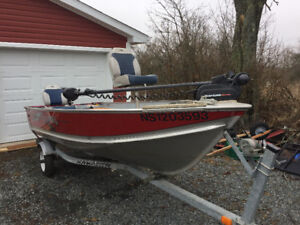 14 1/2' Lund Deep V Aluminum Fishing Boat
