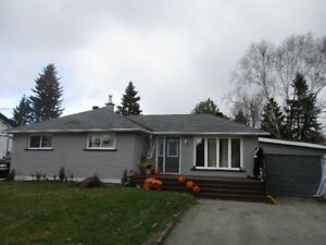 REDUCED!!CAPREOL, READY TO MOVE IN! GREAT FAMILY AREA!