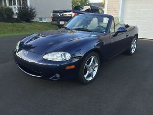 2003 Mazda MX-5 Miata Convertible-Low Kms-Auto-Leather