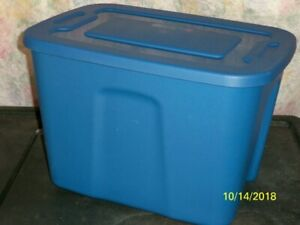 MOVING  / STORAGE CONTAINERS