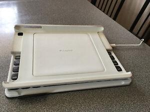 Clavier et étui - Logitech Keyboard Folio pour iPad 2G/3G/4G West Island Greater Montréal image 4