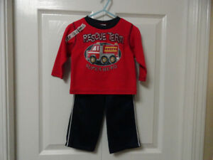 Boys' 2-piece Outfit - Size 12 Months