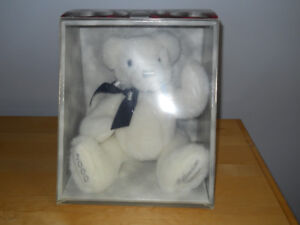WHITE BEAR-COLLECTIBLE.