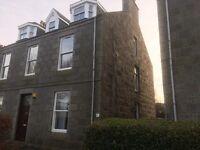 3 bedroom flat in University Road, Old Aberdeen, Aberdeen, AB24 3DR