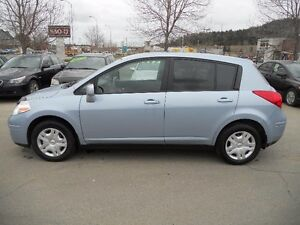 Nissan Versa 5dr HB I4 1.8 2011
