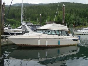 1979 Bayliner 29.5 ft Boat For Sale