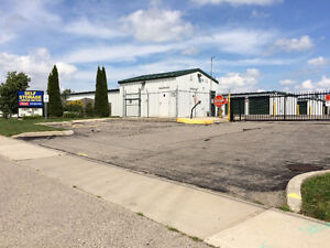 * * * Parking For Your Trailer/RV/Boat * * * London Ontario image 3