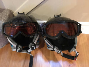Set of 2 Junior size Helmets with goggles