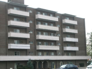 Quiet All Iclusive 1 Bedroom Apt Close to All Amenities