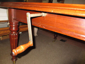 ANTIQUE MAHOGANY VICTORIAN DINING TABLE Kitchener / Waterloo Kitchener Area image 4