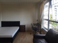 Excellent condition Large Master Room with Smart TV