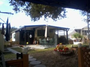 Orlando area cozy 35' mobile home on small canal