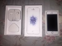 *** iPhone SE White on Vodafone IMMACULATE CONDITION ****