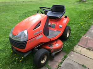 Kubota lawn tractor T1570 and T 2740 attachedment