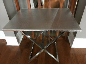 Table d'appoint inox et cuir