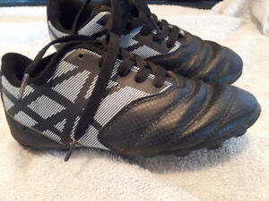 Athletic works cleats size 13 kids
