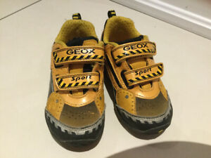 Geox toddler shoes size US 6,5 -EUR 22- UK5 each $12