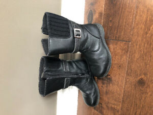 Size 10 girls dress boots.