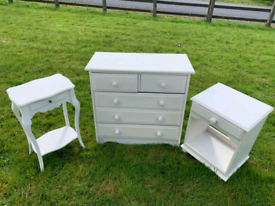 White wood chest of drawers £50 2 matching side tables £20 each