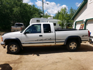 Very well Maintained 1998 GMC 1500 4x4 Sierra 3-door, Only 1 own