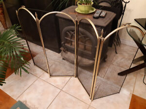 Brass Fire place screen, in perfect condition