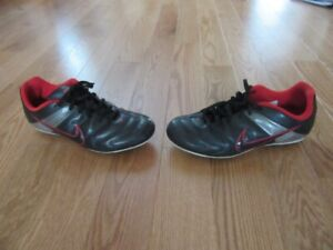 Nike Soccer Cleats Youth Size 5 1'2