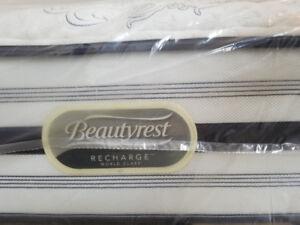 New King Mattress - Simmons BeautyRest World Class - Pocket Coil
