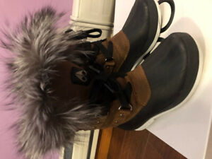 Moose Knuckle Womens Winter Boots