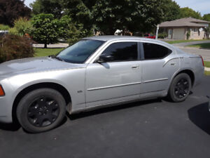 2006 Dodge Charger mint shape 198,000 km . Certified