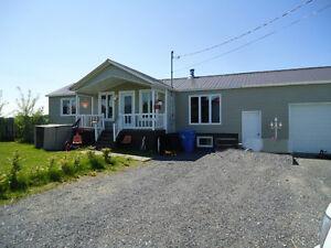 Maison à vendre 609, Rang 3 ouest, St-Henri de Taillon Lac-Saint-Jean Saguenay-Lac-Saint-Jean image 1