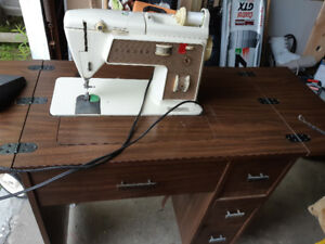 Singer sewing machine with table and chair