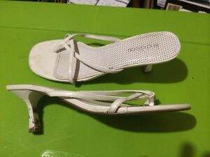 White dress sandal size 10