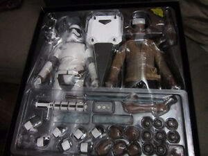 Hot Toys Star Wars FINN only from Riot Stormtrooper set complete