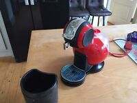 Dolce Gusto Coffee machine Like new hardly used