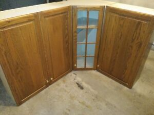 Kitchen Cabinets - 4 pieces