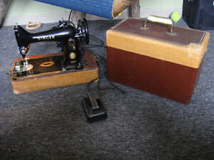 Vintage Singer Sewing Machine In Good Working Condition