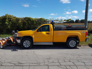 2012 GMC 3500 Vortec V8 4x4 with Artic plow system, Hydraulic sa