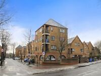 2 bedroom flat in Brunswick Quay, Surrey Quays SE16