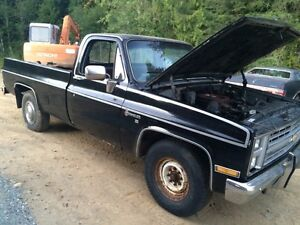 1985 6.2L Diesel Chevy truck parting out