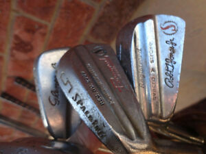Set of Vintage 1960's Golf Clubs and Golf Bag (Woods and Irons) Kitchener / Waterloo Kitchener Area image 6