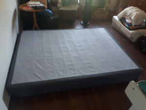 Boxspring/ Mattress Base in excellent condition