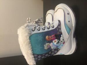 Winter boots- Frozen - size 9
