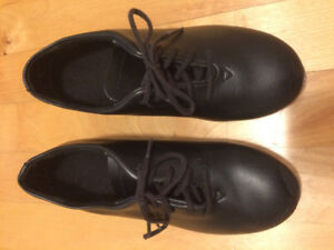 Children's / kids' size one tap dance shoes