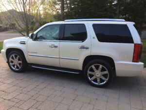 2009 CADILLAC ESCALADE HYBRID WHITE PEARL 22'' OEM MAGS