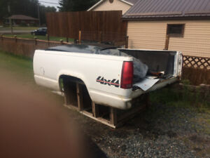 1998 gmc long box in excellent shape