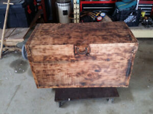 Pine tack box