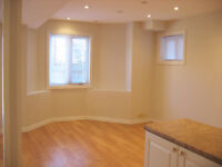Walk-Out and Bright Studio for Rent (separate entrance)